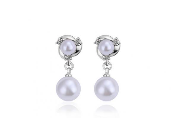 E225 Silver & Pearl Earring