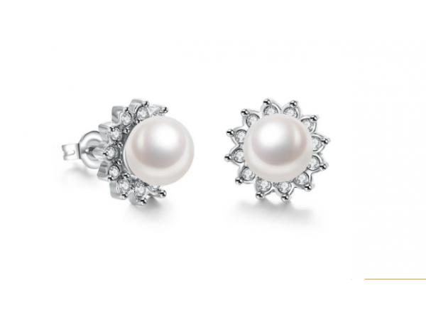 E402 Pearl stud earring