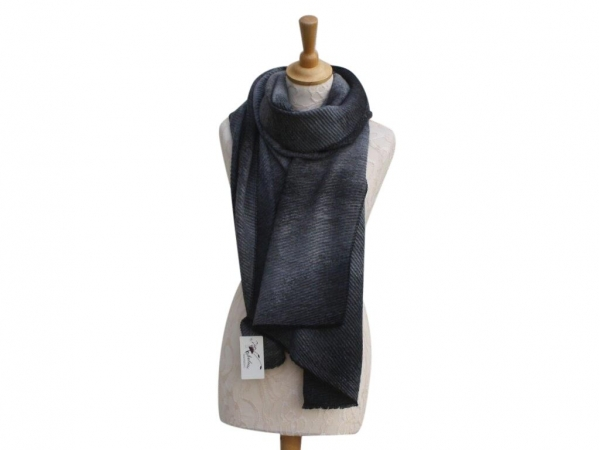 Ws007 Grey winter scarf crinkle pattern