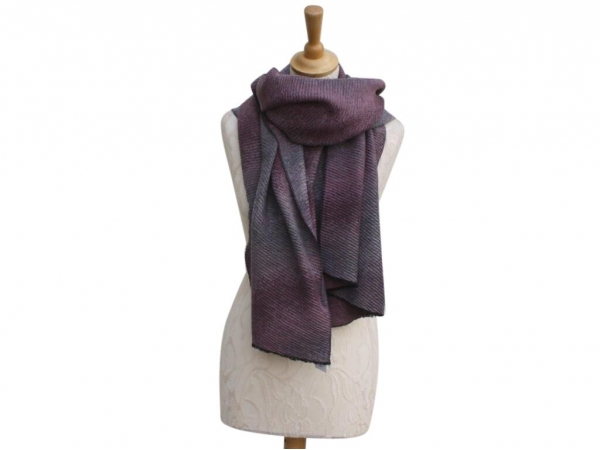 Ws007 Mauve winter scarf crinkle pattern