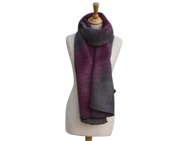 Ws007 Plum winter scarf crinkle pattern