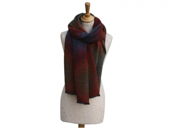 Ws007 Red winter scarf crinkle pattern