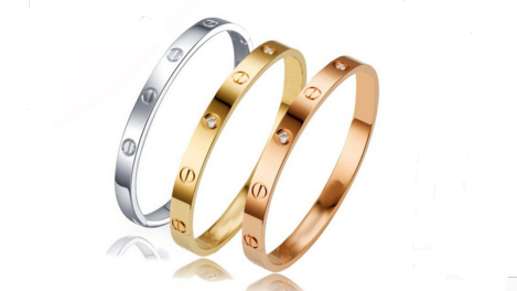 B138 Gold hinged bangle