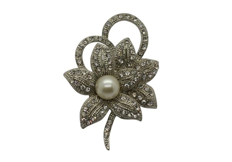 Br89 Pearl & crystal brooch