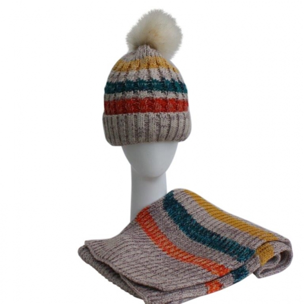 Beige Hat & Scarf Set