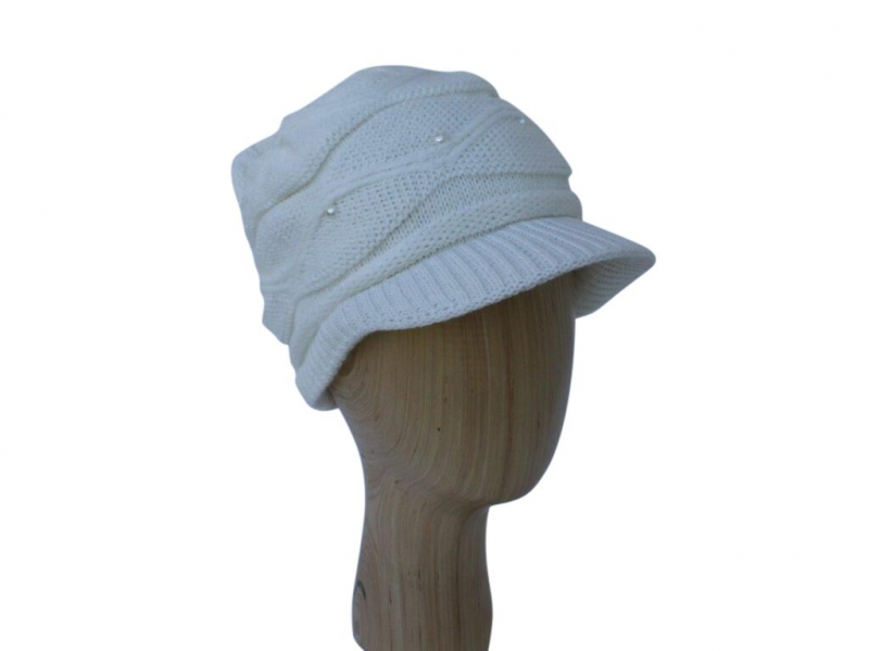 H016 White peak hat with pearl detail.
