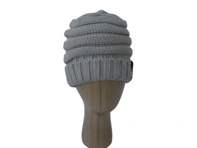 H020 Beige ribber winter hat.