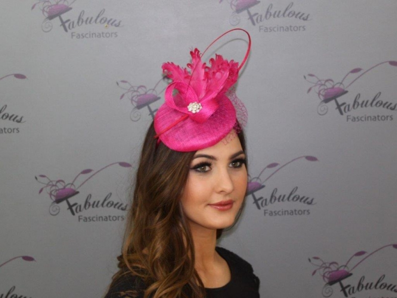 Bailey cerise Fascinator