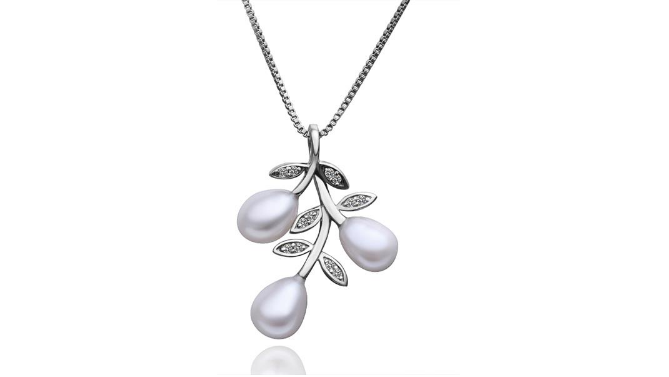 N417 Silver & pearl pendant
